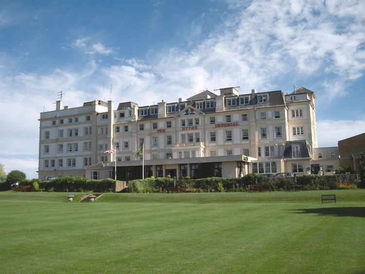 Hotel hythe imperial tui last minute for Last minute design hotel